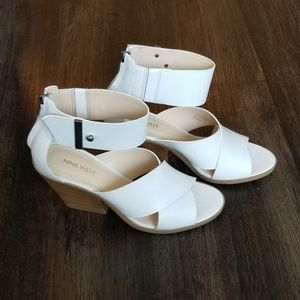 Nine West White Leather Chunk Heel Ankle Sandals